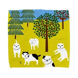 公園でくつろぐねこファイブ Towel handkerchiefs