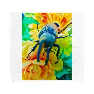 Higurashi430のカブトムシ ☆グラントシロカブト☆   Tシャツ Towel handkerchiefs