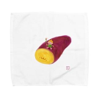 お芋掘りの季節です Towel handkerchiefs