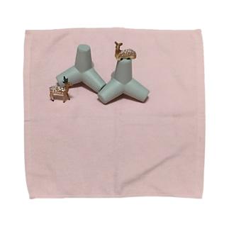 鹿と消波ブロック Towel handkerchiefs