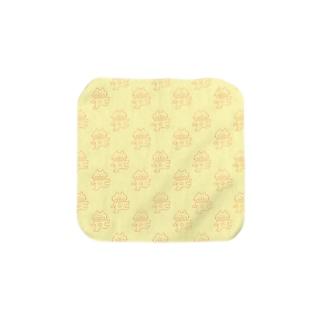 へんてこねこ(あか) Towel handkerchiefs