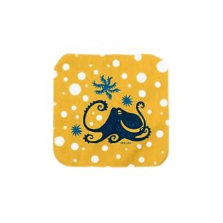 蒼い蛸イエロードット Towel handkerchiefs