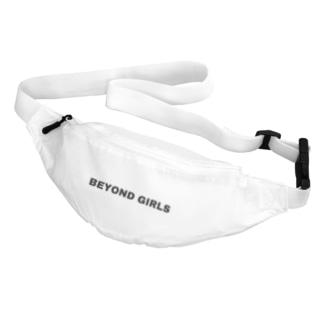 BEYOND GIRLS Body Bag