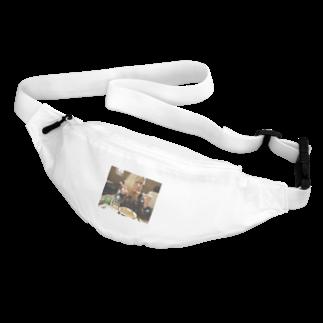 トマピー@ショコラのカレー食べながらピースするトマピー Belt Bag