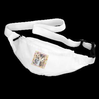 テル!のお店の3匹の覗き見ニャンコ Body Bag