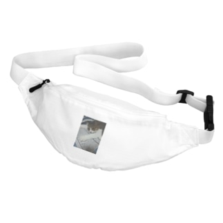 のびのびネコネコ Belt Bag