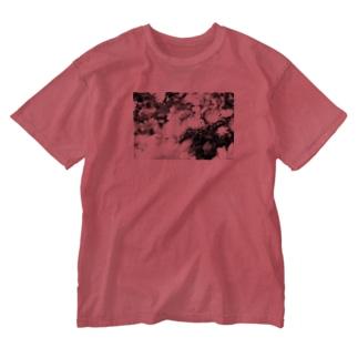 モノクロフラワー(キク) Washed T-shirts