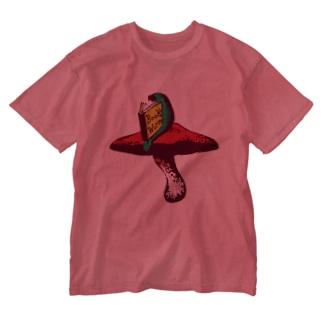 本の虫 カラー Washed T-shirts