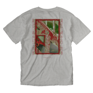 Kazumichi Otsubo's Souvenir departmentの錆びて剥がれて灼熱 ~ レッド&グリーン Washed T-shirtsの裏面