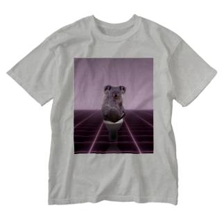 賢いコアラ Washed T-shirts