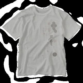 ジャパニーズスタンダードの枝垂れ桜 Washed T-shirts