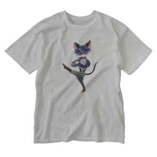 外交する猫 Washed T-shirts