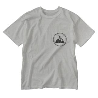 Climbing Giraffe Washed T-shirts