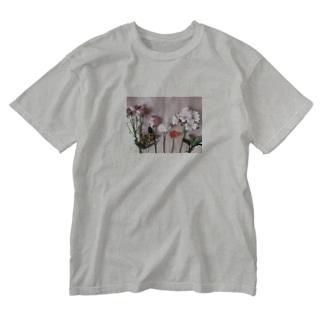 flower,ローズとガーベラとカーネーションと Washed T-shirts