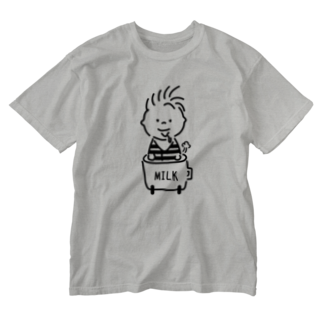 AliviostaのBaby in car 赤ちゃんミルク イラスト Washed T-shirts