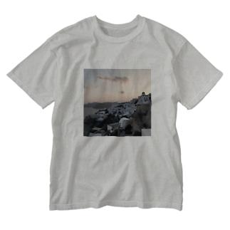 ギリシャの島の夕焼け Washed T-shirts