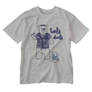 ダーツする白熊さん🎯 Washed T-shirts