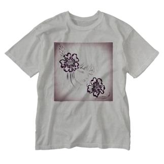 花の眠り Washed T-shirts