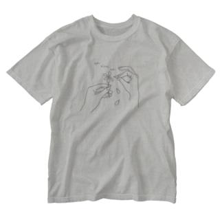 花占い suki kirai suki Washed T-shirts