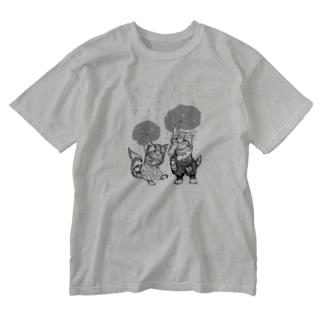 モノクロあんずとすもも Washed T-shirts