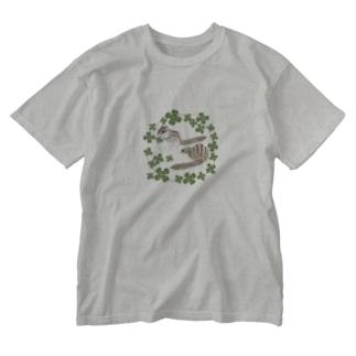 シマリスとクローバー Washed T-shirts