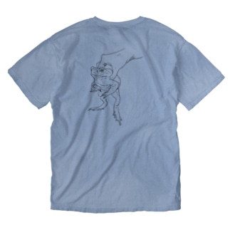 a kaeru in the hand オオヒキガエルバックプリント Washed T-shirts