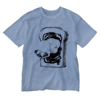 オバケちゃんと鏡 Washed T-shirts