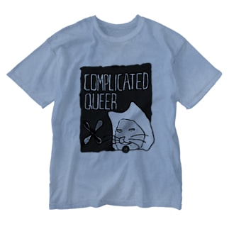 COMPLICATED QUEER BLACK Washed T-shirts