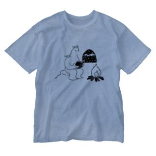 読書するイエティ Washed T-shirts
