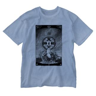 星空と大日 Washed T-shirts