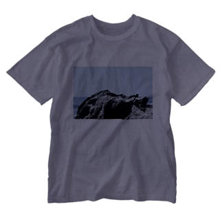 海の岩 Washed T-shirts
