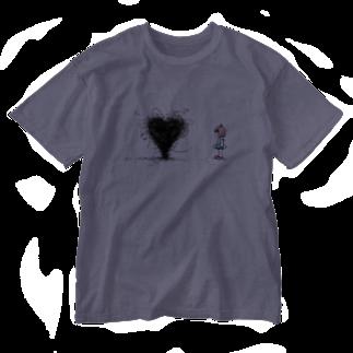 kaeruco(* 皿 *)のハートを作る虫 Washed T-shirts