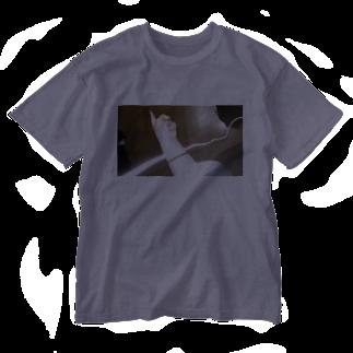 モス麻酔mosmasuiのfingers point idea Washed T-shirts