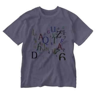 アルファベットと数字の洪水2 Washed T-shirts