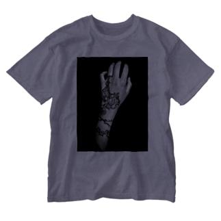ここを掴むと胸倉です。 Washed T-shirts