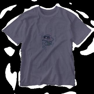 Ayano & Dolphinのスノーケルするイルカ♪ Washed T-shirts