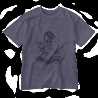Miku Milkiのタバコを吸う人 Washed T-shirts