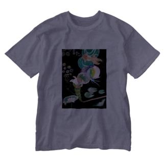 ストローから金魚 Washed T-shirts