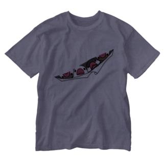 三密です!むちむちフィンチさん【まめるりはことり】 Washed T-shirts