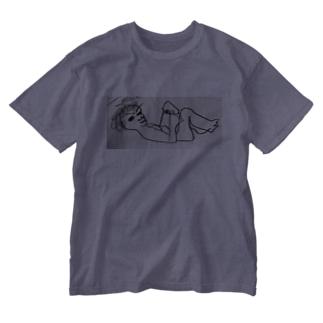 横たわる妻 Washed T-shirts