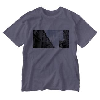 上海南京路旧租界地的風景〜Paysage de l'ancienne zone de concession sur la route de Nanjing, Shanghai〜 Washed T-shirts