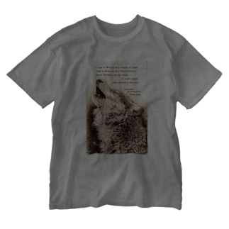 howling wolf Washed T-shirts