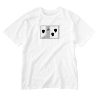 お花が見える窓 Washed T-shirts