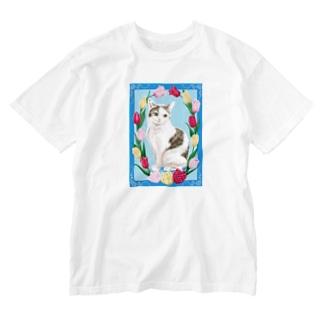 チューリップと猫 Washed T-shirts