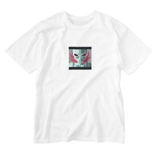 燃えるスカル Washed T-shirts