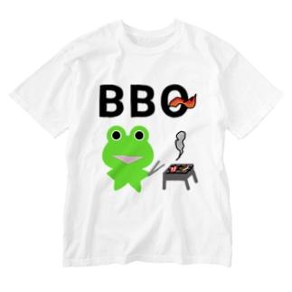 BBQを楽しむカエルくん Washed T-shirts