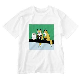 フクロウとキツネ Washed T-shirts