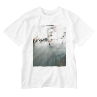 Walking in the City Washed T-shirts