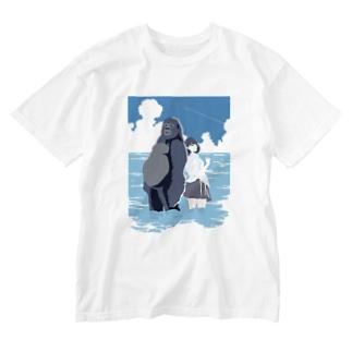 ゴリラとjk Washed T-shirts
