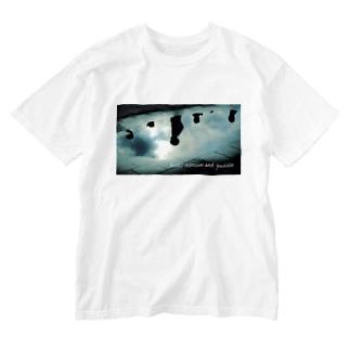 ラジオ体操と水たまり Washed T-shirts